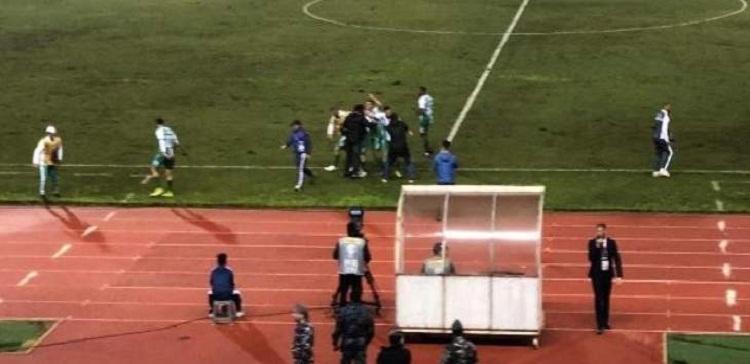 صورة كأس الاتحاد الآسيوي: ضربة جزاء متأخرة تمنح الانصار الفوز على الفيصلي