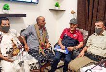 صورة مدير عام مكتب الشباب والرياضة بشبوة يستقبل بعثة منتخب كرة القدم