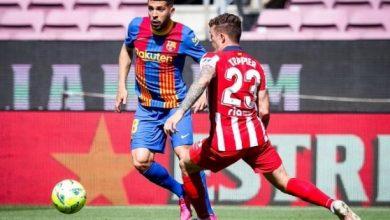 صورة دفاع الاتلتيكو يفرض التعادل على برشلونة ويحرمه من الفوز والليغا تشتعل في جولاتها الاخيرة