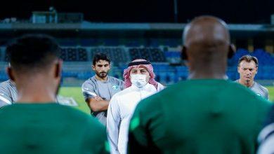 صورة كواليس اجتماع المسحل مع لاعبي المنتخب السعودي قبل لقاء أوزبكستان