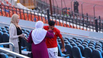 """صورة """"جمهورك الأول"""".. يلا كورة يحكي قصة هدف انتهى باحتفال بين لاعب وأمه"""
