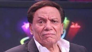 """صورة بكاء الفنان الكبير عادل إمام بمرارة وسقط مغشياً عليه .. """"والوصية مفيش عزاء !"""" .. تفاصيل صادمة للقصة !"""