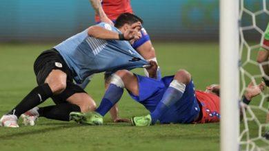 صورة سواريز ينقذ الاوروغواي من الخسارة امام تشيلي