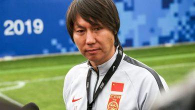 """صورة الاتحاد الصيني يؤكد استمرار """"لي تي"""" في تدريب المنتخب"""
