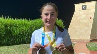 صورة ذهبية لليا قربان في بطولة العرب للرماية