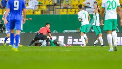 """صورة الكشف عن تفاصيل إصابة تمبكتي """"المرعبة"""" في مباراة السعودية وأوزبكستان"""