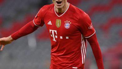 صورة ليفاندوفسكي يفوز بجائزة لاعب العام في ألمانيا
