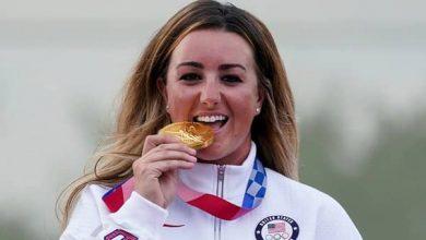 صورة الأمريكية إنجليش تتوج بذهبية رماية الأطباق لفئة السيدات