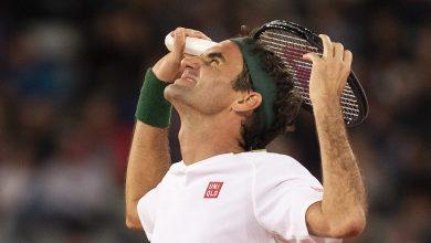 صورة نجم التنس فيدرر يغيب فترة طويلة