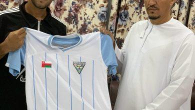 صورة حوار صحفي مع مدرب نادي الوحدة العماني سامر فضل